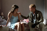 Harry Hass (Ulrich Thomsen) bedroht Lulu (Jennifer Decker)