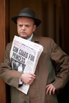 Toby Jones (Arthur Jacobs)